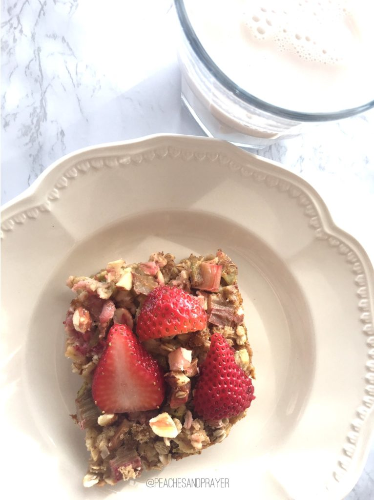 Strawberry Rhubarb Oatmeal Bake Make ahead breakfast